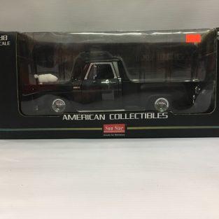 1:18 1965 Chevrolet C-10 Stepside Pickup Low rider - Negro - Sun Star