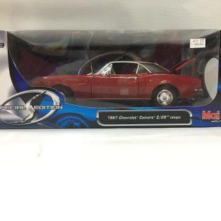 1:18  1967 Chevrolet Camaro z28 coupe Rojo