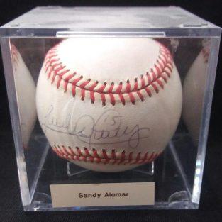 Bola de baseball autografiada por ....